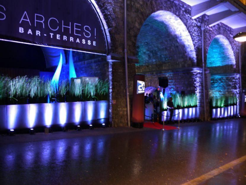Red Monkeys a imaginé une ambiance new-yorkaise pour un cocktail dînatoire privé au bar-terrasse Les Arches à Lausanne.